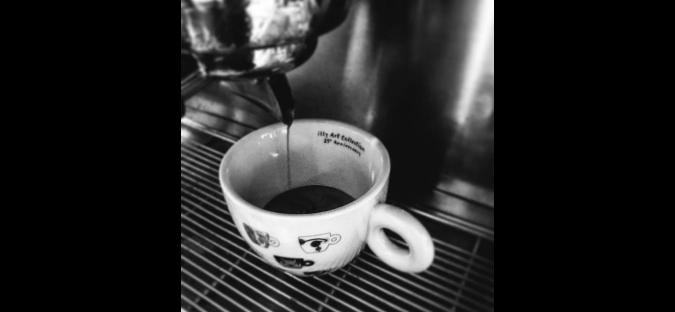Espresso...! Natürlich von Illy!