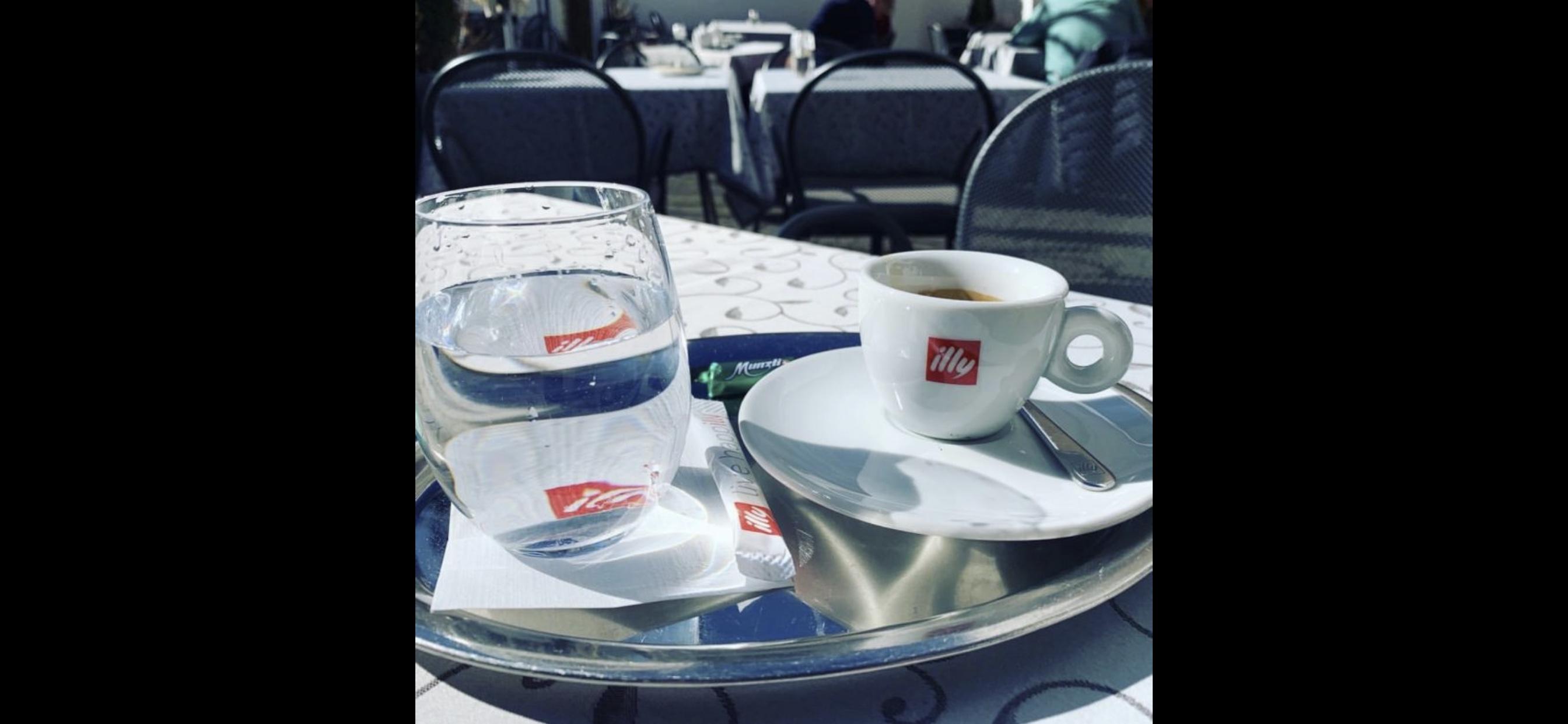Ab Februar kann man bei uns in der Sonne sitzen und einen Kaffee genießen!
